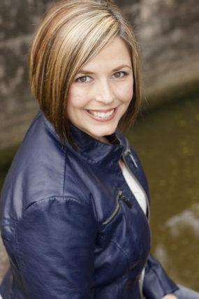 womans-headshot-smiling