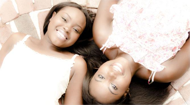 Sisters-family-portrait